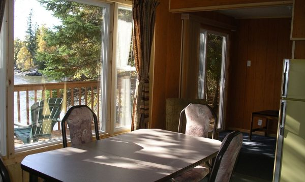 2 Bedroom Cottage Dining Area